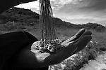 Popula&ccedil;&otilde;es Tradicionais de apanhadores de flores Sempre Vivas situadas na Serra do Espinha&ccedil;o em Diamantina, Minas Gerais.<br /> Popula&ccedil;&otilde;es atingidas pela implanta&ccedil;&atilde;o do Parque Nacional das Sempre Vivas, Parques Estaduais e Unidades de Conserva&ccedil;&atilde;o.<br /> Comunidade Galheiros, composta por apanhadores de flores sempre vivas que realizam a comercializa&ccedil;&atilde;o de produtos artesanais feitos com flores nativas. A atividade &eacute; a principal fonte de renda da comunidade