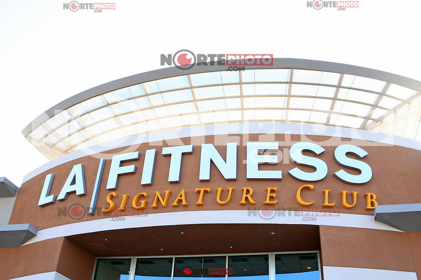 Exterior at the Grand Opening Celebrity VIP Reception of the FIRST SIGNATURE LA FITNESS CLUB, Woodland Hills, Los Angeles, California, 02.06.2012...Credit: Martin Smith/face to face /MediaPunch Inc. ***FOR USA ONLY***