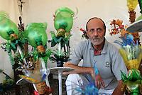 Festa Nazionale dell' Altra Economia. Roma. National Day for other economy. Rome..Davide Zenobio. L'arte del riciclo.Recycle art...