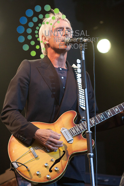 Paul Weller plays a sell out show at Edinburgh Castle.<br />  Picture: Duncan McGlynn / Universal News And Spot (Europe)21/07/2013