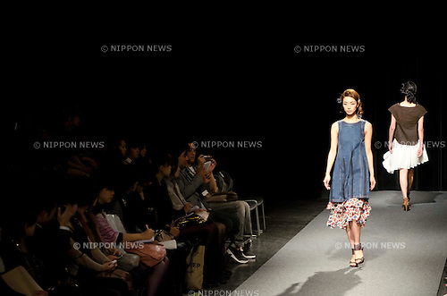 October 20th, 2011: Tokyo, Japan – A model walks down the catwalk wearing Takahiro Kawaguchi by atlier. Ta.a.Na during Mercedes-Benz Fashion Week Tokyo 2012 Spring/Summer. The Mercedes-Benz Fashion Week Tokyo runs from October 16-22. (Photo by Yumeto Yamazaki/AFLO)