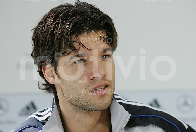 Fussball International Pressekonferenz Deutsche Nationalmannschaft Michael Ballack