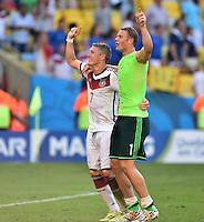 FUSSBALL WM 2014                VIERTELFINALE Frankreich - Deutschland           04.07.2014 Bastian Schweinsteiger (li) und Torwart Manuel Neuer (re, beide Deutschland) jubeln nach dem Abpfiff