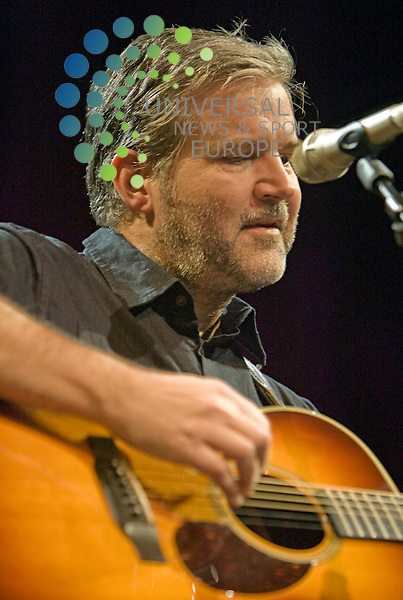 Lloyd Cole at The Old Fruit Market Glasgow 26/10/10 ..Picture by Ricky Rae/universal News & Sport (Scotland).