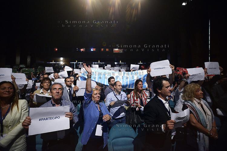 Roma, 28 Giugno 2014<br /> Palazzo dei Congressi<br /> L'ex presidente della Camera fondatore di Alleanza Nazionale Gianfranco Fini ha lanciato oggi il suo ritorno in politica con &quot;Partecipa&quot; l'associazione di destra che vuole di coinvolgere la societ&agrave; civile per &quot;L'Italia che vorresti&quot; e per chiedere &quot;La tua idea per la destra che non c'&egrave;&quot;.<br /> Nella foto la platea.<br /> <br /> Former House Speaker Gianfranco Fini founder of the National Alliance today launched his political comeback with &quot;partecipa&quot;, &quot;Join&quot;, the association that seeks to involve civil society &quot;that Italy would like&quot; and to ask &quot;Your idea for the right that does not exist &quot;