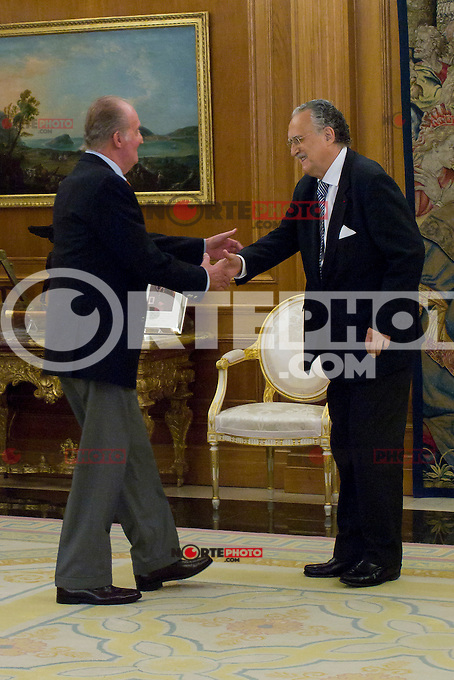 Juan Carlos I of Spain attend the audience with I&ntilde;aki Azkuna Urreta, Mayor of Bilbao, at the Royal Palace of La Zarzuela. In the image King Juan Carlos and I&ntilde;aki Azkuna Urreta (Alterphotos/Marta Gonzalez) /NortePhoto.com<br />