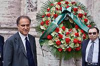 Roma 7  Maggio 2013.Il Funerale di Giulio Andreotti , la bara portata a spalla dalla sua abitazione fino alla chiesa di San Giovanni dei Fiorentini. Lorenzo Cesa  (UDC)