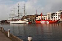 Europe/France/Nord-Pas-de-Calais/59/Nord/Dunkerque:Le port, le bassin du commerce avec  le Musée portuaire et les bateaux:  du Musée à flot: le trois-mats: Duchesse-Anne et le bateau-feu: La Sandettie dernier bateau feu français