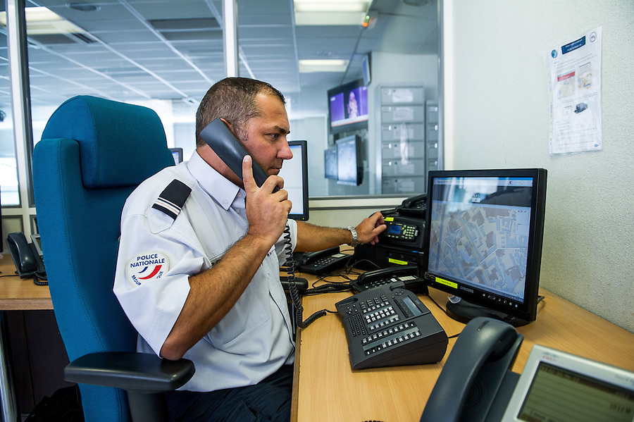 Major corion police nationale cic centre d 39 information - Photographe nice centre ...