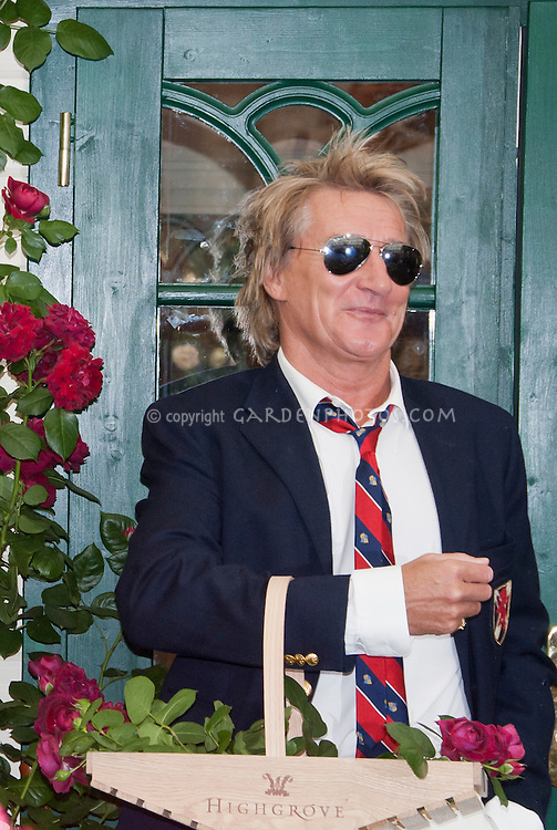 Rod Stewart Lyrics - Nevertheless Im