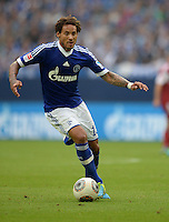 FUSSBALL   1. BUNDESLIGA   SAISON 2013/2014   1. SPIELTAG FC Schalke 04 - Hamburger SV          11.08.2013 Jermaine Jones (FC Schalke 04) am Ball