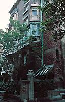Hector Guimard: Castel Beranger, 14-16 Rue La Fontaine, Paris, 1894-98. Photo '90.