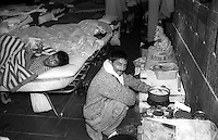 Roma  Dicembre 1990.Ex Pastificio Pantanella occupato da centinaia di immigrati asiatici provenienti dal Pakistan e Bangladesh..Il dormitorio dei Pakistani..Rome December 1990.Ex Pastificio Pantanella occupied by hundreds of Asian immigrants from Pakistan and Bangladesh..Dormitory Pakistanis