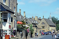 Chipping Campden: Gloucestershire, High Street. Street scene. Photo '05.