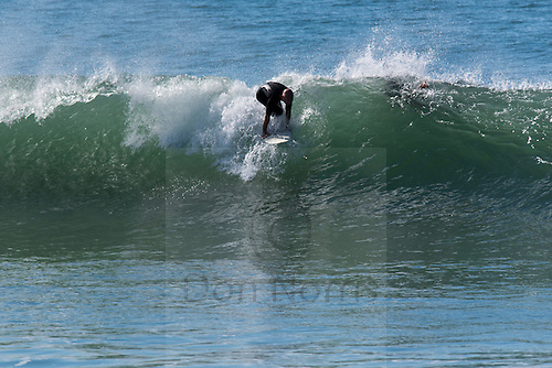 Anzac Day offered sunny skies, lightly offshore winds and fun little south swell-east swell combo peaks up and down the beach from South Narrabeen to Northy. I shot surfers at The Gardens for half an hour or so from around 1030.