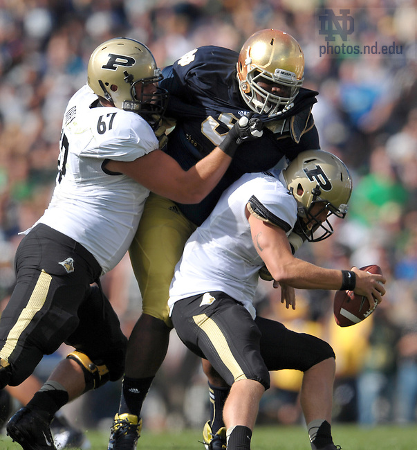 Sep 8, 2012; Louis Nix (9) makes a sack against Purdue...Photo by Matt Cashore