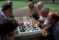 AJ2201, chess game, Budapest, Hungary, Europe, Local men playing games of chess in a park in the capital city of Budapest.