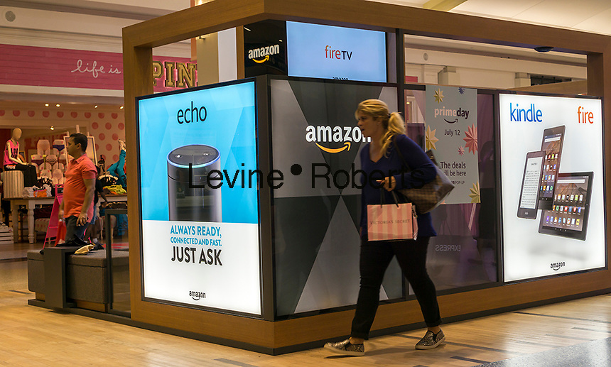 An Amazon pop-up kiosk in the Green Acres Mall in Valley Stream in Long Island on Saturday, July 9, 2016.  (© Richard B. Levine)