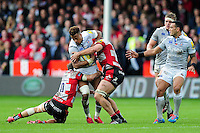 Anthony Watson of Bath Rugby takes on the Gloucester Rugby defence. Aviva Premiership match, between Gloucester Rugby and Bath Rugby on October 1, 2016 at Kingsholm Stadium in Gloucester, England. Photo by: Patrick Khachfe / Onside Images