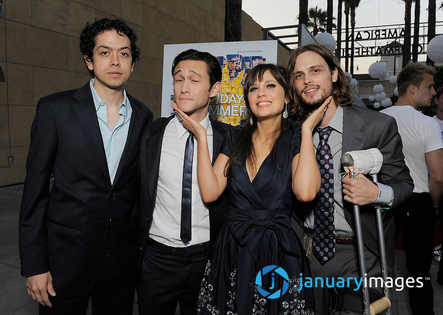 "HOLLYWOOD - JUNE 24:  Geoffrey Arend, Joseph Gordon-Levitt, Zooey Deschanel and Matthew Gray-Gubler arrive on the red carpet at the ""(500) Days of Summer"" Premiere at the Egyptian Theatre on June 24, 2009 in Hollywood, California.  (Photo by Todd Williamson/WireImage)"