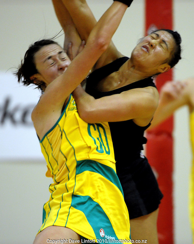 NZ's Liana Barrett-Chase (right) collides with Rebecca Bulley. International Netball  - New Zealand Silver Ferns v Australian Diamonds Constellation Cup match at TSB Bank Arena, Wellington on Thursday, 2 September 2010. Photo: Dave Lintott/lintottphoto.co.nz
