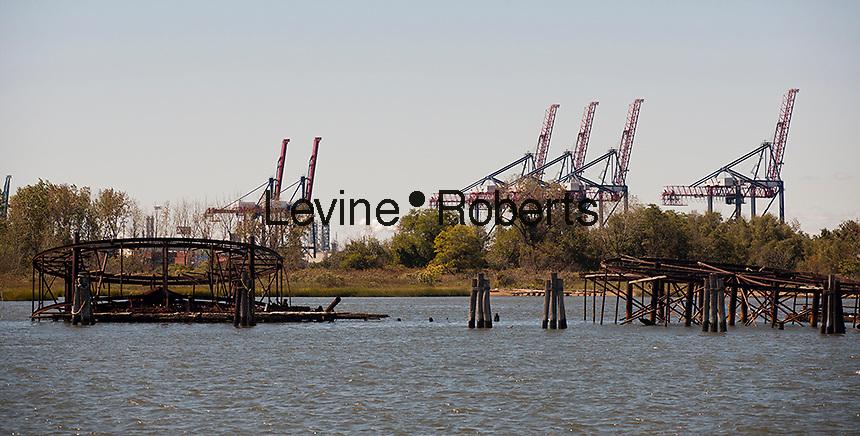 Waterfront activities in the Kill van Kull between Staten Island in New York and New Jersey in the New York and New Jersey harbor on Sunday, September 23, 2012.  (© Richard B. Levine)