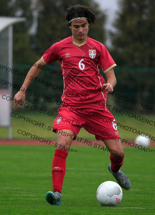 Fudbal soccer friendly match<br /> Srbija U17 v Madjarska U17<br /> Strahinja Bosnjak<br /> Stara Pazova, 08.12.2015.<br /> foto: Srdjan Stevanovic/Starsportphoto &copy;