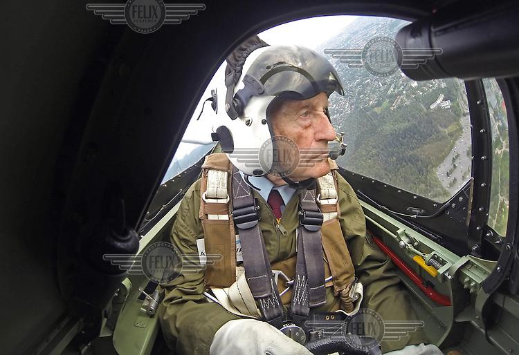 09 Norway : Spitfire pilots at Kjeller
