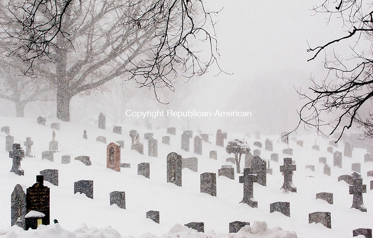 WATERBURY, CT-13 February 2014-0201314BF03- Near whiteout conditions can be seen at the Old Saint Josephs Cemetery on East Main Street in Waterbury Thursday morning during the storm.  Bob Falcetti Republican-American