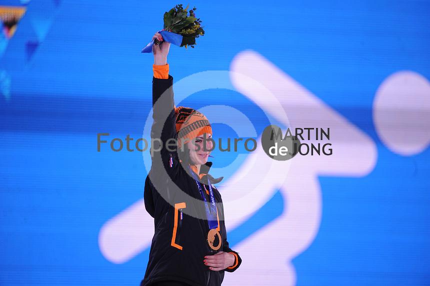 OLYMPICS: SOCHI: Medal Plaza, 14-02-2014, 1000m Ladies, podium, Margot Boer (NED), ©foto Martin de Jong