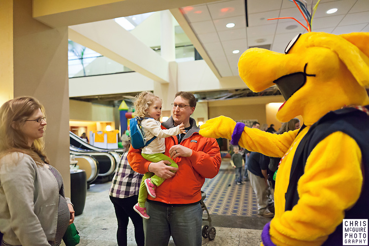 02/12/12 - Kalamazoo, MI: Kalamazoo Baby & Family Expo.  Photo by Chris McGuire.  R#1