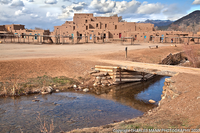 Taos Pueblo is perhaps the most famous feature in the northern New Mexico  town of Taos which has a great many interesting historical and landscape attractions.