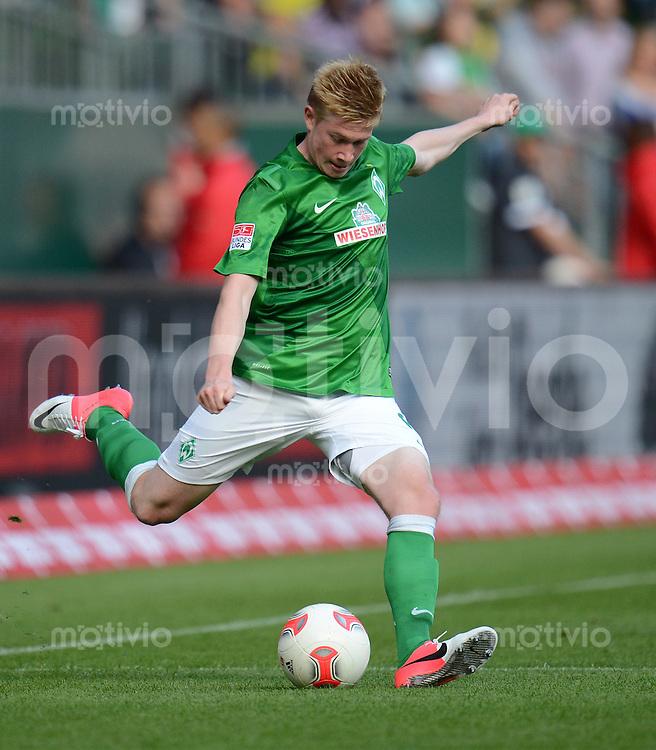 FUSSBALL   1. BUNDESLIGA   SAISON 2012/2013   TESTSPIEL SV Werder Bremen - Aston Villa                             11.08.2012 Kevin De Bruyne (SV Werder Bremen) Einzelaktion am Ball