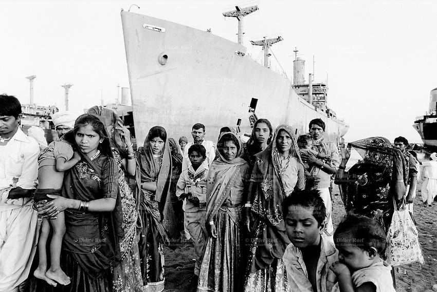 035-India-Alang-1992.jpg