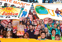 Hundreds rally during the People's Climate March in Seattle, Wash. on October 14, 2015. (photo © Karen Ducey for the Sierra Club)