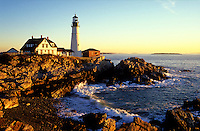USA, Maine, Cape Elizabeth, Portland Head Lighthouse at sunrise