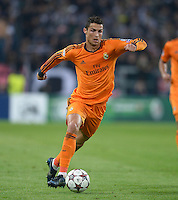 FUSSBALL   CHAMPIONS LEAGUE   SAISON 2013/2014   Vorrunde  Juventus Turin - Real Madrid     05.11.2013 TEAMJUBEL Real Madrid; Pepe (oben)
