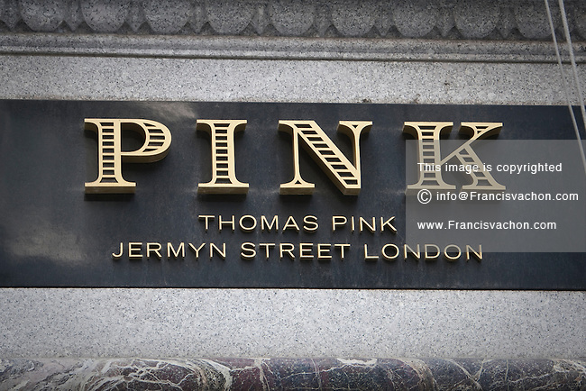 clothing-store-pink-music-melbourne - V's World