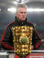FUSSBALL   DFB POKAL   SAISON 2011/2012   VIERTELFINALE VfB Stuttgart - FC Bayern Muenchen                      08.02.2012 Trainer Jupp Heynckes  (FC Bayern Muenchen) vor dem Pokal