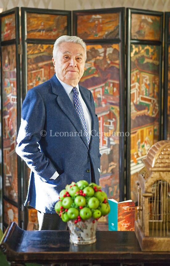 Alberto Arbasino è uno scrittore, saggista e giornalista italiano. Tra i protagonisti del Gruppo 63, la sua produzione letteraria ha spaziato dal romanzo alla saggistica. Torino, sabato 2013. Alberto Arbasino,Premio Bottari Lattes Grinzane 2013. © Leonardo Cendamo