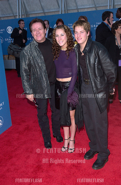 Country group THE WILKINSONS at the 43rd Annual Grammy Awards in Los Angeles. .21FEB2001.  © Paul Smith/Featureflash