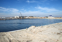 1989 February 01..Redevelopment.East Ocean View..R.G. MOORE BOATHOUSE.PRETTY LAKE AVENUE...NEG#.NRHA#..