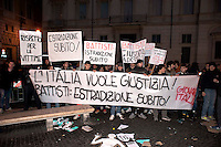 Roma, 4 Gennaio 2011.Sit-in dei partiti contro la decisione  del Brasile di non concedere l'estradizione all'ex terrorista dei Pac (Proletari Armati per il Comunismo)  Cesare Battisti condannato a quattro ergastoli per omicidio..Rome, January 4, 2011.Sit-in  of the Political parties, in front of the Embassy of Brazil in Piazza Navona, for the decision of Brazil, not to grant the extradition of former terrorist Pac (Armed Proletarians for Communism), Cesare Battisti was sentenced to four life sentences for murder.