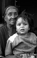 Montenegro  Novembre 2000.Campo profughi di Konik 1.Rama Vasfije, etnia rom  vedova 4 figli e 3 nipoti, abitava a  Pe? (in albanese Pejë / Peja; in serbo  Pe?) in via Adem Taci 68, vuole tornare nella sua casa.
