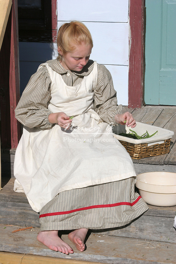 Young Girl Bare Feet Snapping Beans Her Farmhouse