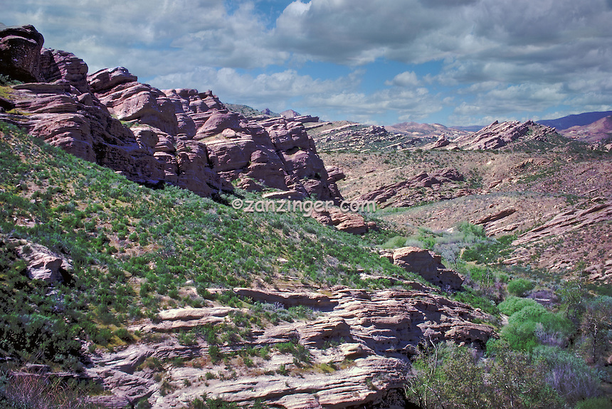 Vasquez, Rocks, Agua, Dulce, CaliforniaVasquez, Rocks, Agua, Dulce, California, rock formations. formed, San Andreas Fault, action High dynamic range imaging (HDRI or HDR)