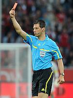 FUSSBALL   1. BUNDESLIGA   SAISON 2011/2012    4. SPIELTAG Bayer 04 Leverkusen - Borussia Dortmund              27.08.2011 Schiedsrichter Wolfgang STARK zeigt Rot