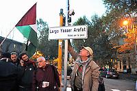 Roma 29 Novembre 2008.Manifestazione in occasione del 60esimo anniversario della giornata internazionale della Palestina, sancita dall'Onu nel 1948. I Manifestanti rinominano Piazza Esquilino in Largo Yasser Arafat.Rome November 29, 2008.Demonstration for the 60th anniversary of the International Day of Palestine, sanctioned by the UN in 1948..Protesters renamed Piazza Esquilino in Largo Yasser Arafat