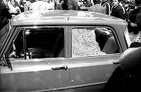 Roma 3 Maggio 1979<br /> Attentato delle Brigate Rosse alla sede provinciale della Democrazia Cristiana di Piazza Nicosia.<br /> Nell'Attentato rimangono uccisi due agenti di polizia. L'automobile degli agenti di polizia colpita dalle pallottole degli attentori.
