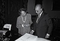Roma  2 Luglio 1986.Convegno: Dialogo come fondamento universale della pace. Campidoglio.Il sindaco di Roma Nicola Signorello riceve nel suo studio  il Presidente della Camera dei deputati Nilde Jotti